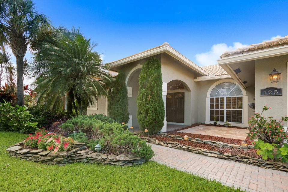 125 Fernwood Crescent  Royal Palm Beach, FL 33411