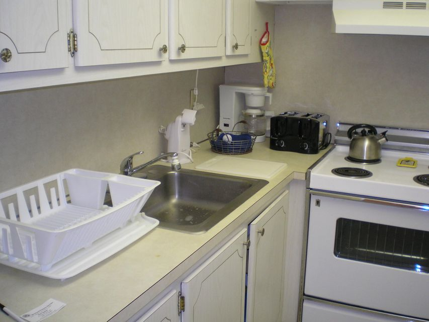 Co-op / Condo for Rent at 50 Norwich C 50 Norwich C West Palm Beach, Florida 33417 United States