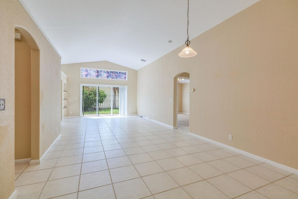 3846 Torres Circle West Palm Beach, FL 33409 photo 6
