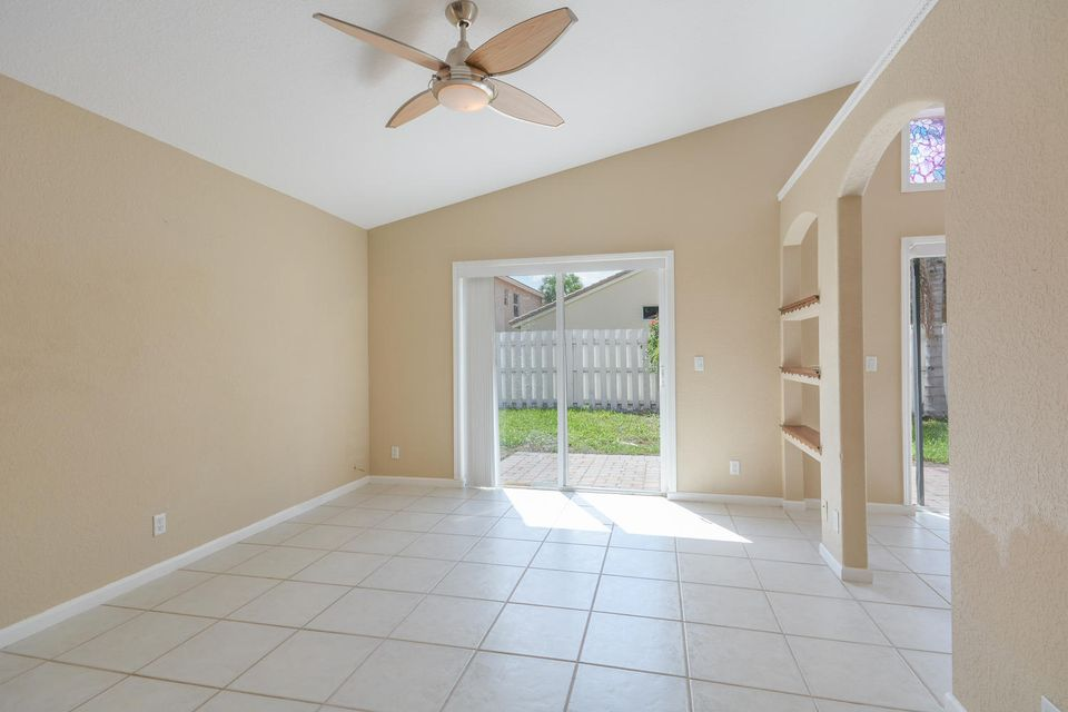 3846 Torres Circle West Palm Beach, FL 33409 photo 8