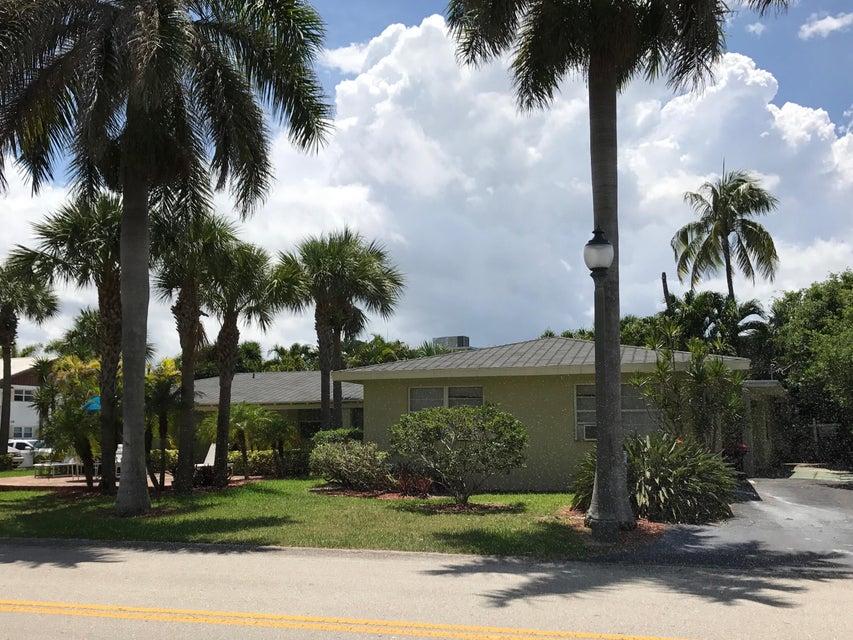 Quadraplex pour l Vente à 101 Bravado Lane 101 Bravado Lane Palm Beach Shores, Florida 33404 États-Unis