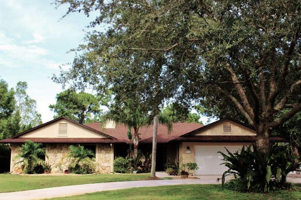 Additional photo for property listing at 753 SW River Court 753 SW River Court Palm City, Florida 34990 Estados Unidos