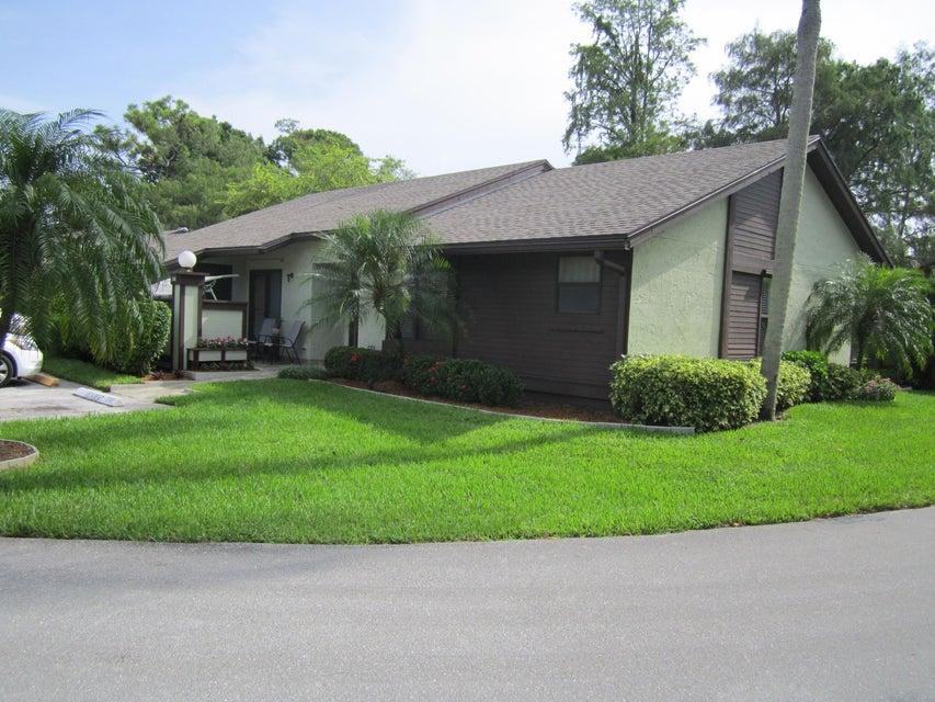Villa für Verkauf beim 240 Bald Eagle Court 240 Bald Eagle Court Royal Palm Beach, Florida 33411 Vereinigte Staaten