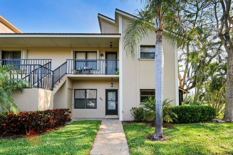Condominium for Rent at 101 Clubhouse Circle 101 Clubhouse Circle Jupiter, Florida 33477 United States