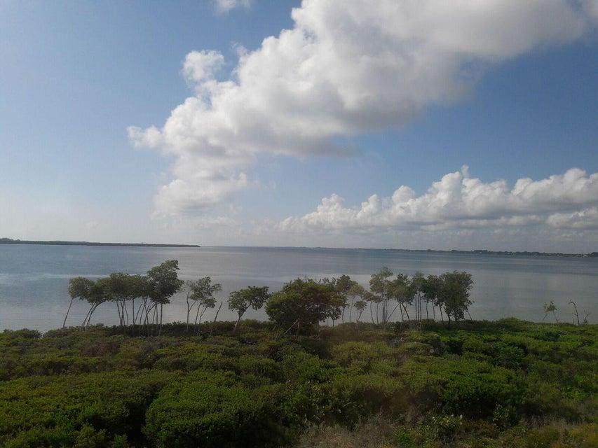 Co-op / Condominio por un Alquiler en 26 Harbour Isle Drive W 26 Harbour Isle Drive W Hutchinson Island, Florida 34949 Estados Unidos