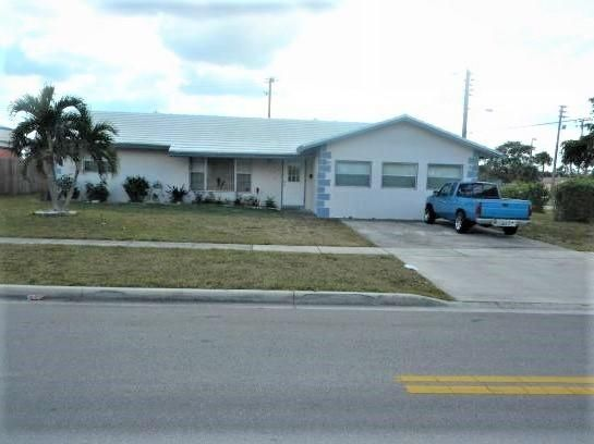 Single Family Home for Sale at 6560 NW 11th Street 6560 NW 11th Street Margate, Florida 33063 United States