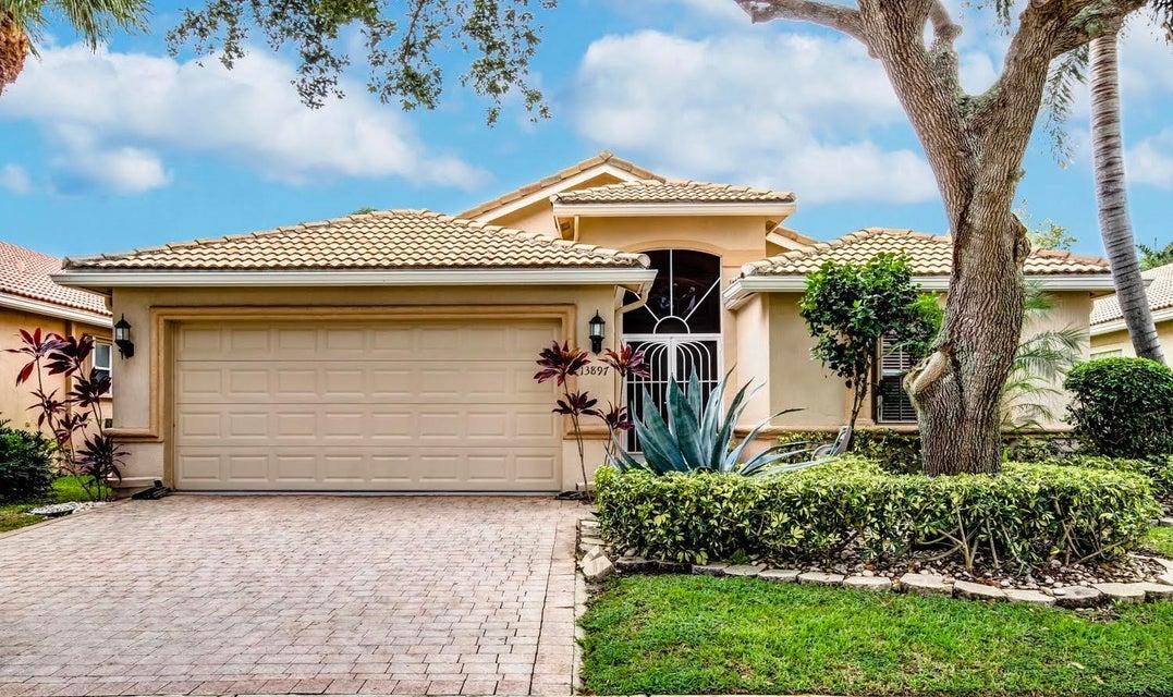 独户住宅 为 销售 在 13897 Via Nidia 13897 Via Nidia 德尔雷比奇海滩, 佛罗里达州 33446 美国