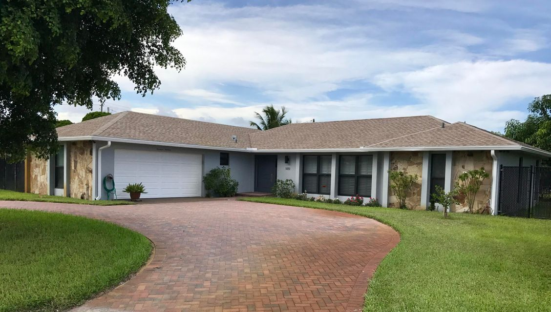 Single Family Home for Sale at 1419 N Lake Court Lake Clarke Shores, Florida 33406 United States