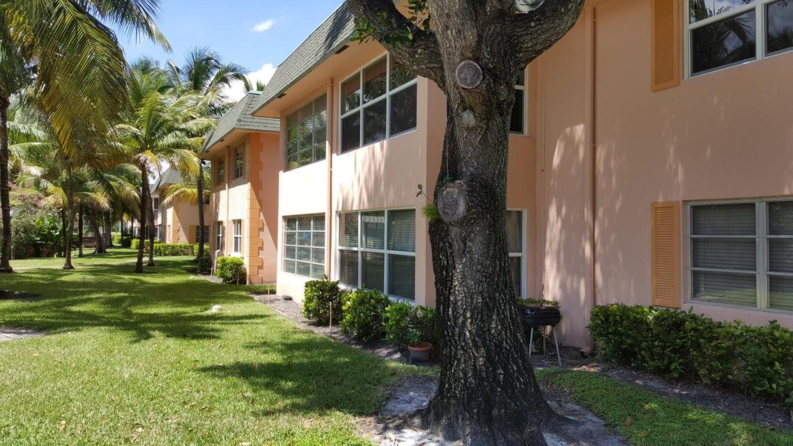 Co-op / Condominio por un Alquiler en 760 SE 2nd Avenue 760 SE 2nd Avenue Deerfield Beach, Florida 33441 Estados Unidos