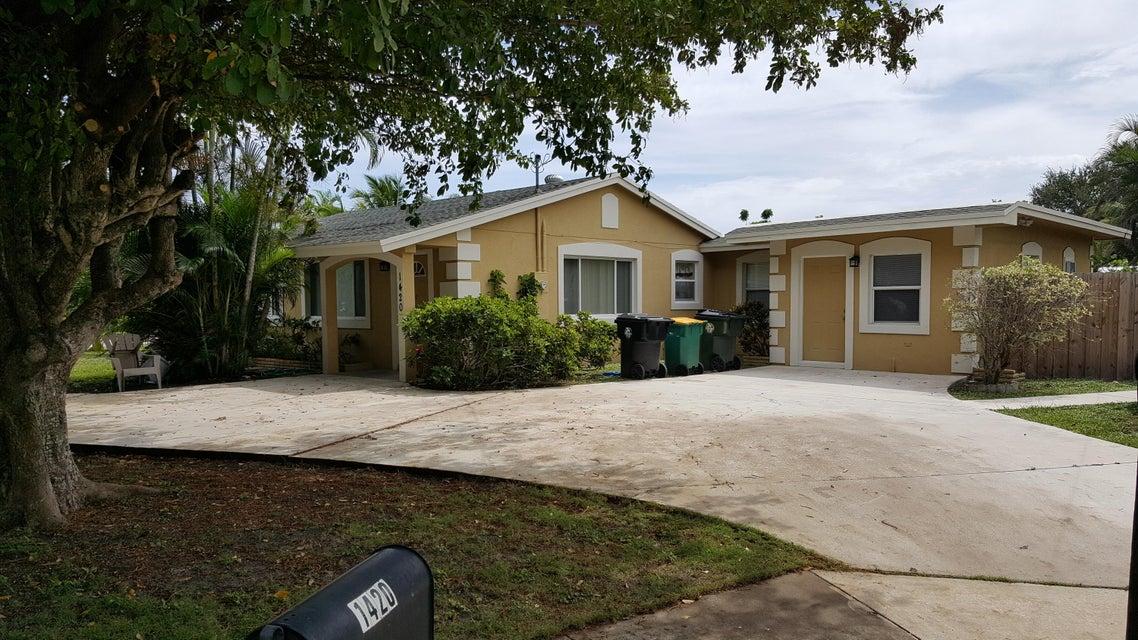 واحد منزل الأسرة للـ Sale في 1420 N D Street 1420 N D Street Lake Worth, Florida 33460 United States