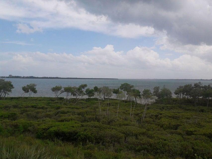 Konsum / Eigentumswohnung für Mieten beim 24 Harbour Isle Drive W 24 Harbour Isle Drive W Hutchinson Island, Florida 34949 Vereinigte Staaten
