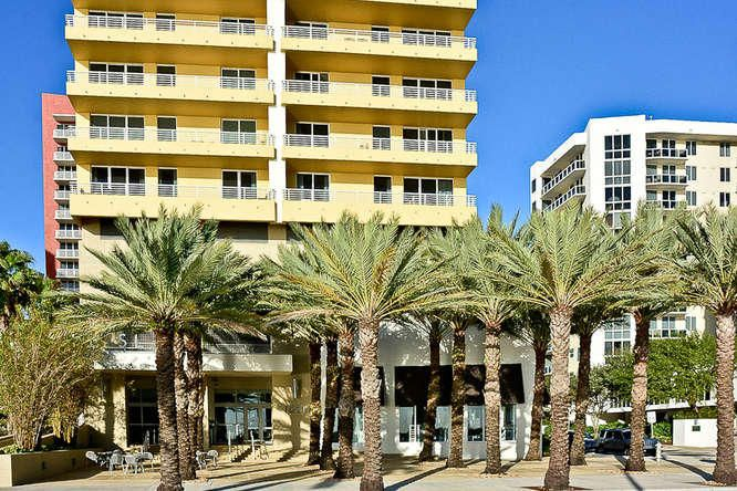 Condominium for Rent at 1551 N Flagler Drive # Lph11 1551 N Flagler Drive # Lph11 West Palm Beach, Florida 33401 United States