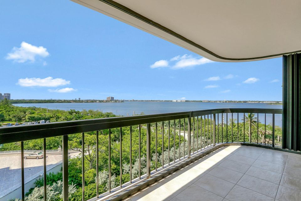 5380 N Ocean Drive 6-A , Singer Island FL 33404 is listed for sale as MLS Listing RX-10367725 44 photos