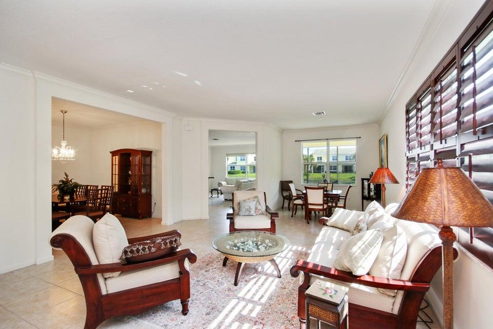 Maison accolée pour l Vente à 607 Mariner Bay Boulevard 607 Mariner Bay Boulevard Fort Pierce, Florida 34949 États-Unis