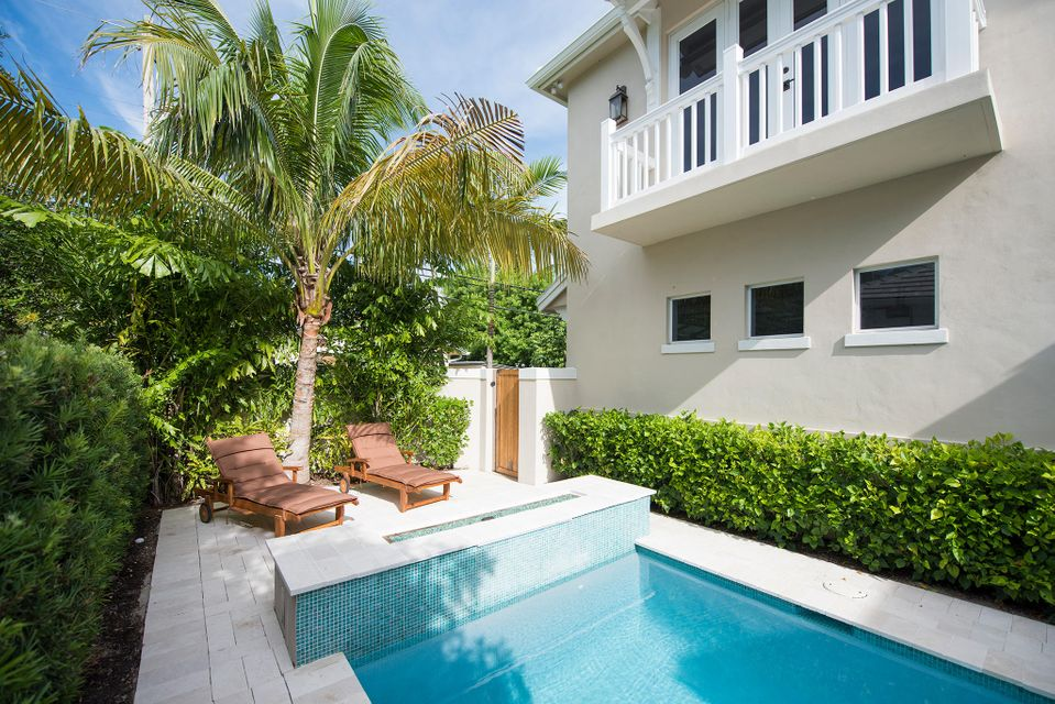 Additional photo for property listing at 214 N Swinton Avenue 214 N Swinton Avenue Delray Beach, Florida 33444 United States