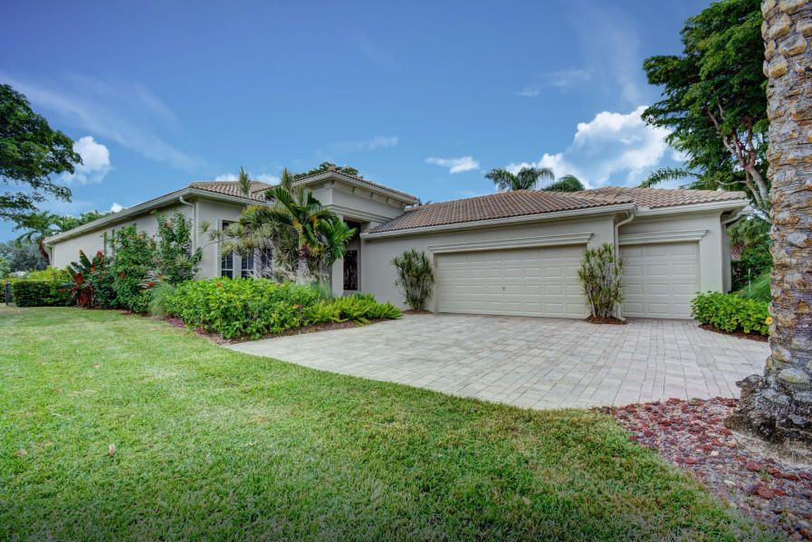 158 Orchid Cay Drive