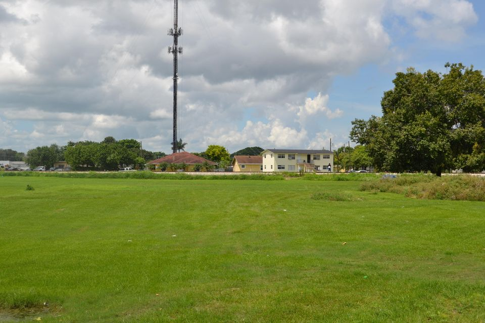 Land for Sale at Xxx NW 11th Street Xxx NW 11th Street Belle Glade, Florida 33430 United States