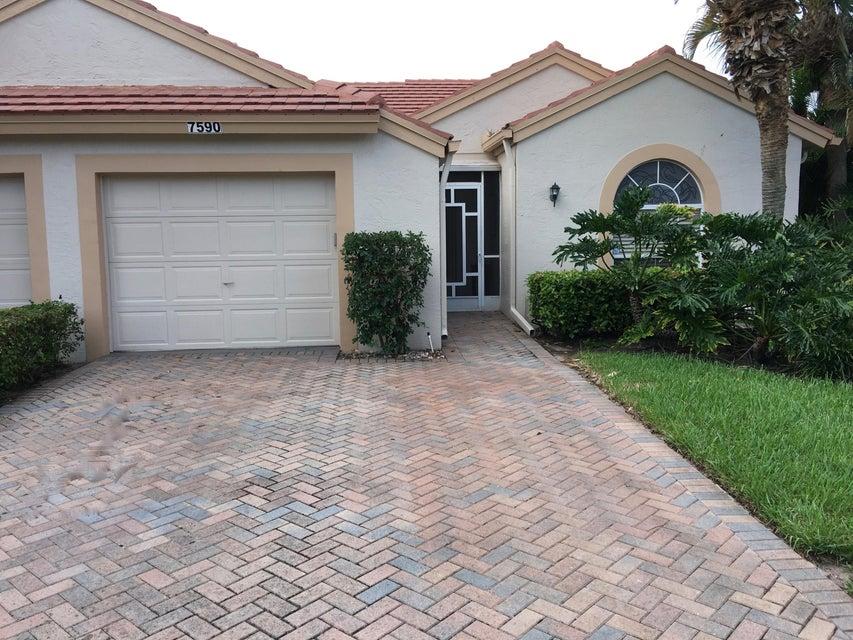 Villa for Sale at 7590 Diamond Pointe Circle 7590 Diamond Pointe Circle Delray Beach, Florida 33446 United States