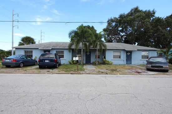 Tríplice para Venda às 514 6 514 6 Fort Pierce, Florida 34950 Estados Unidos