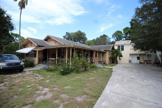 Quadraplex pour l Vente à 136 15th N Street 136 15th N Street Fort Pierce, Florida 34950 États-Unis
