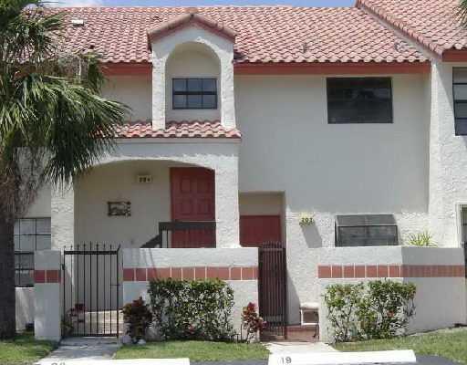 Co-op / Condominio por un Alquiler en 204 Congressional Way 204 Congressional Way Deerfield Beach, Florida 33442 Estados Unidos