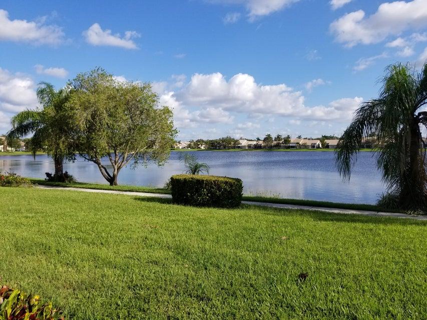 Maison accolée pour l Vente à 10730 Pelican Drive 10730 Pelican Drive Wellington, Florida 33414 États-Unis