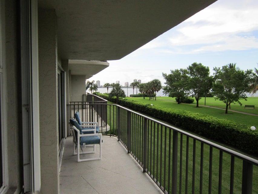 Condominium for Rent at 801 Lake Shore Drive # 218 801 Lake Shore Drive # 218 Lake Park, Florida 33403 United States