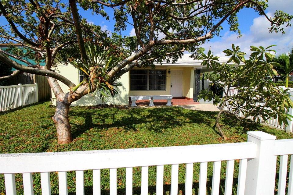 1629 N J Terrace  Lake Worth, FL 33460