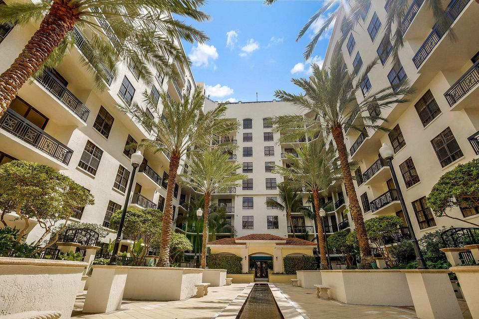 Additional photo for property listing at 801 S Olive Avenue 801 S Olive Avenue West Palm Beach, Florida 33401 United States