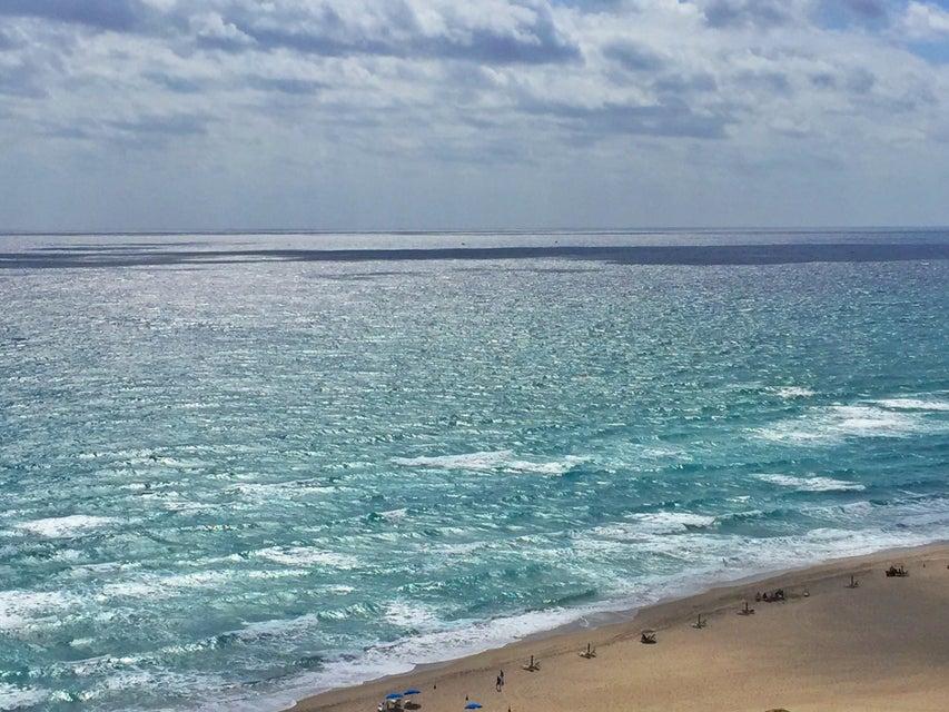 Co-op / Condo للـ Rent في 3000 N Ocean Drive 3000 N Ocean Drive Singer Island, Florida 33404 United States
