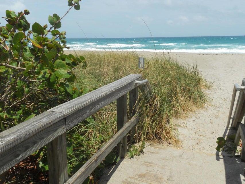 Additional photo for property listing at 109 Pegasus Drive 109 Pegasus Drive Jupiter, Florida 33477 États-Unis