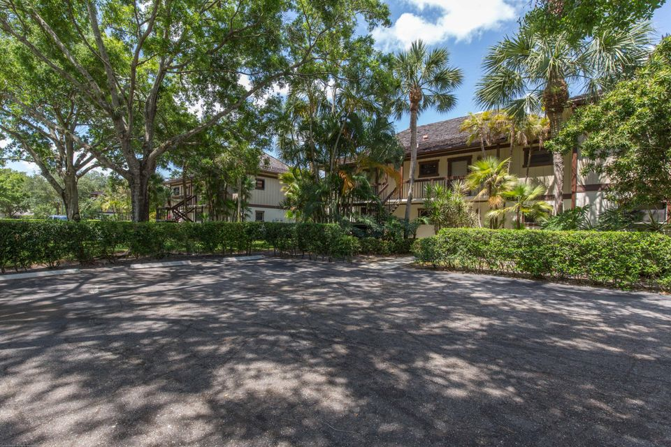 13334  Polo Club Road is listed as MLS Listing RX-10366095 with 25 pictures