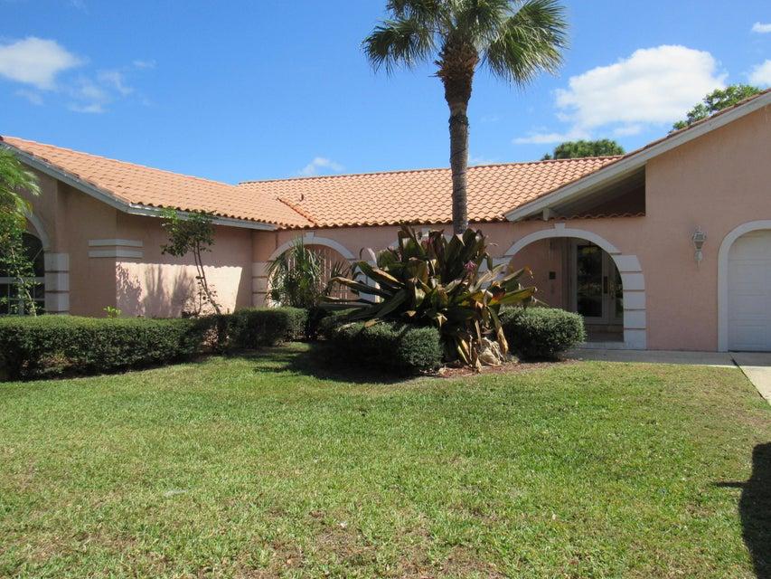 独户住宅 为 销售 在 645 Enfield Court 645 Enfield Court 德尔雷比奇海滩, 佛罗里达州 33444 美国