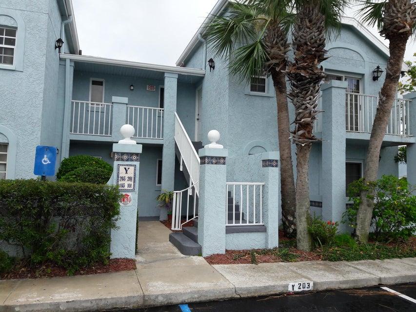 合作社 / 公寓 为 销售 在 Right1625 SE Green Acres Circle Right1625 SE Green Acres Circle 圣露西港, 佛罗里达州 34952 美国