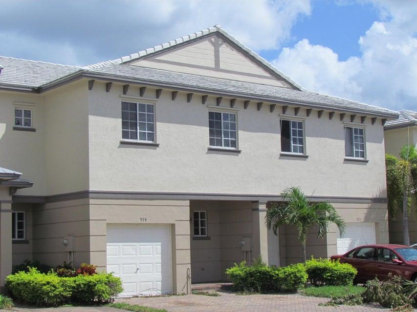 Casa unifamiliar adosada (Townhouse) por un Venta en 974 Tortuga Lane 974 Tortuga Lane Riviera Beach, Florida 33404 Estados Unidos