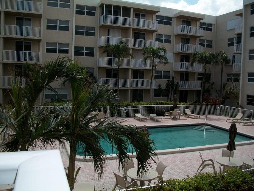 Coopérative / Condo pour l à louer à 2929 S Ocean Boulevard 2929 S Ocean Boulevard Boca Raton, Florida 33432 États-Unis