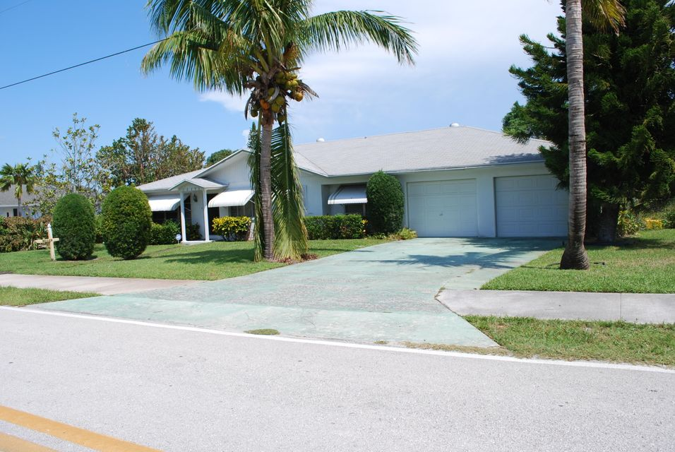 Single Family Home for Sale at 12293 SE Florida Avenue 12293 SE Florida Avenue Hobe Sound, Florida 33455 United States