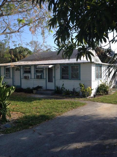 Additional photo for property listing at 4649 SE May Avenue 4649 SE May Avenue Stuart, Florida 34997 United States