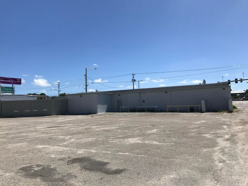 Commercial / Industrial للـ Rent في 1219 S Congress Avenue 1219 S Congress Avenue West Palm Beach, Florida 33406 United States