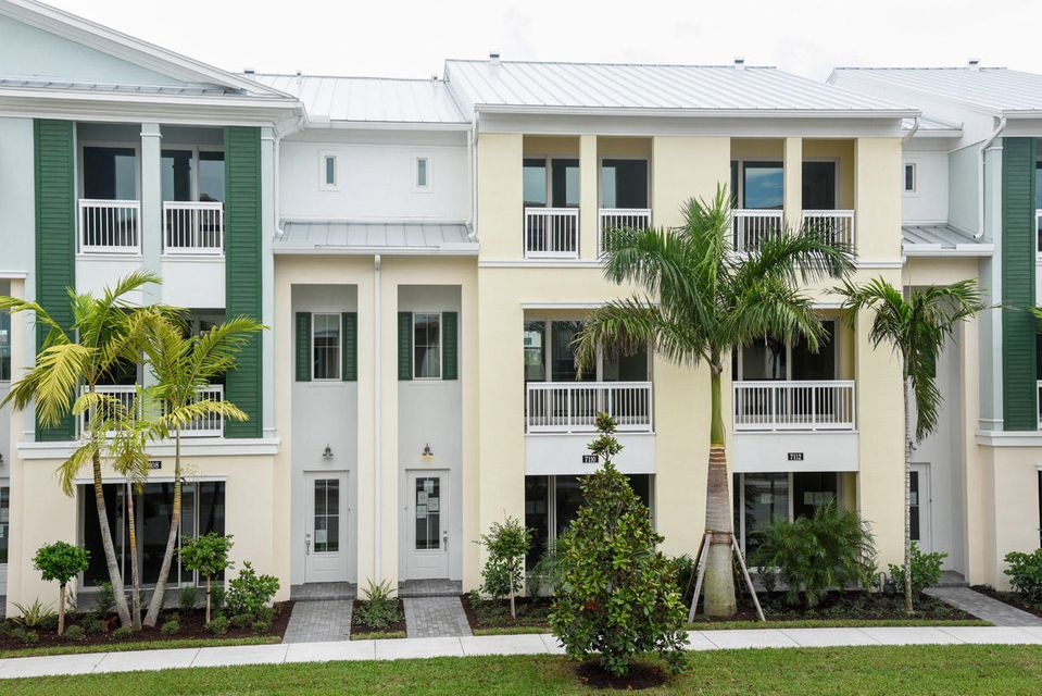 Townhouse for Sale at 7110 Edison Place 7110 Edison Place Palm Beach Gardens, Florida 33418 United States