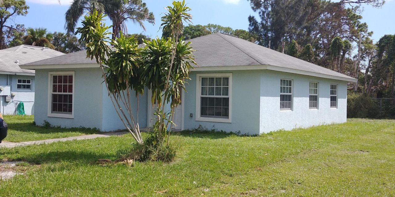 Single Family Home for Sale at 202 N 22nd Street 202 N 22nd Street Fort Pierce, Florida 34950 United States