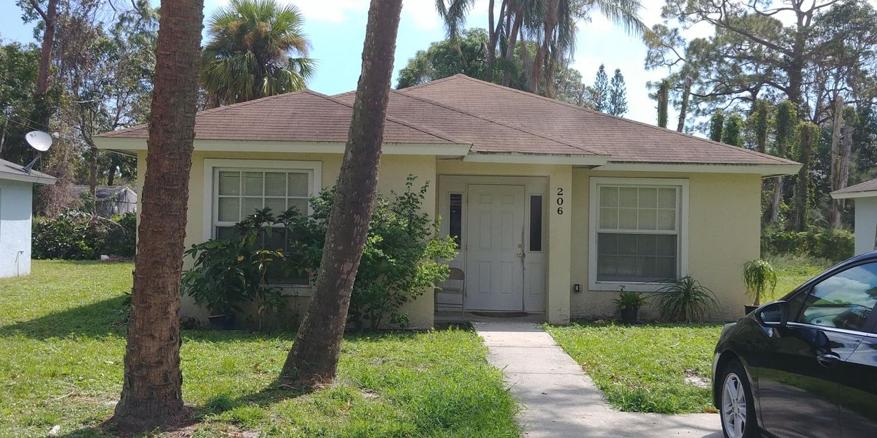 Single Family Home for Sale at 206 N 22nd Street 206 N 22nd Street Fort Pierce, Florida 34950 United States