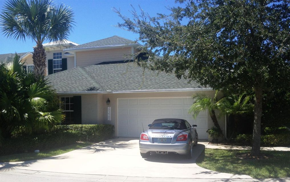 Townhouse for Sale at 4325 Cross Court 4325 Cross Court Vero Beach, Florida 32967 United States