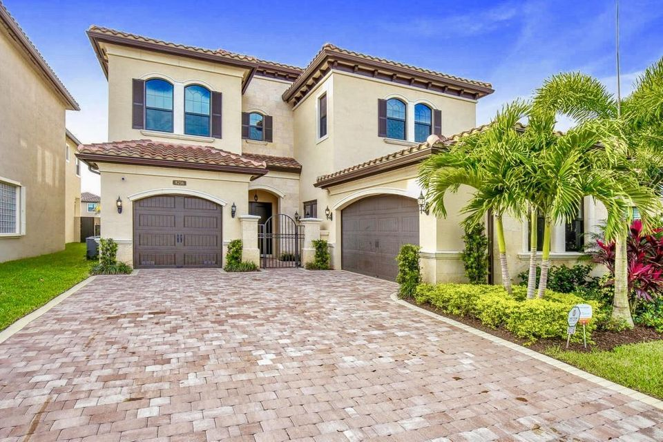 8216 Lost Creek Lane  Delray Beach FL 33446