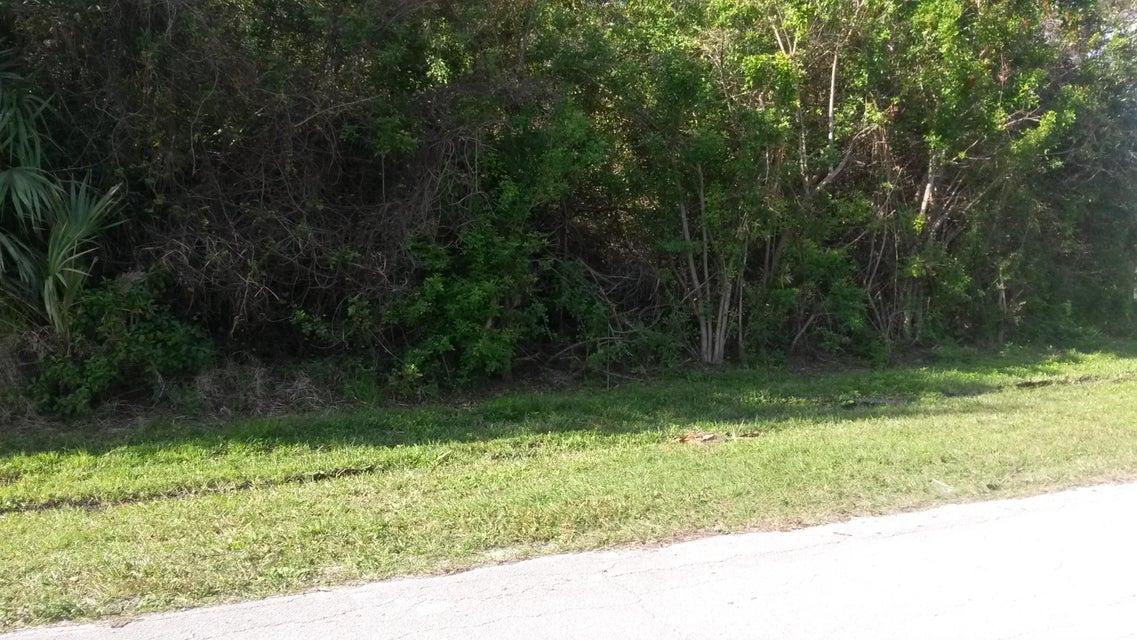 Land for Sale at 798 NE Emerson Street 798 NE Emerson Street Port St. Lucie, Florida 34983 United States