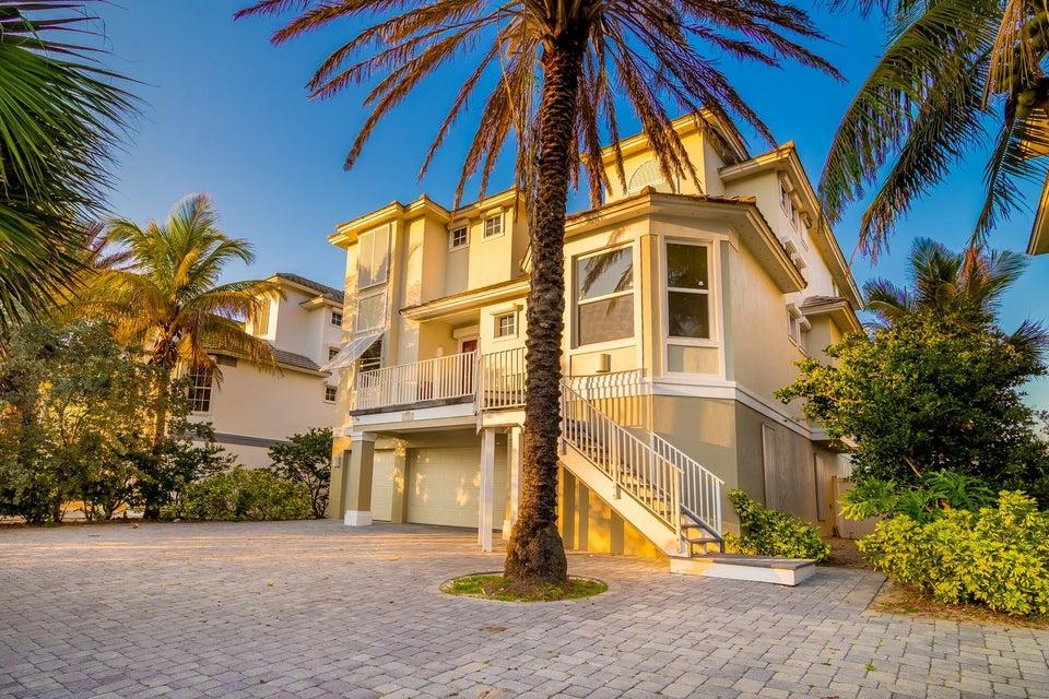واحد منزل الأسرة للـ Sale في 7433 S Highway A1a 7433 S Highway A1a Melbourne, Florida 32951 United States