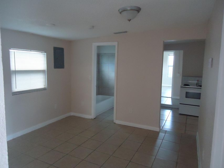 Additional photo for property listing at 517 Cheerful Street 517 Cheerful Street West Palm Beach, Florida 33407 Estados Unidos