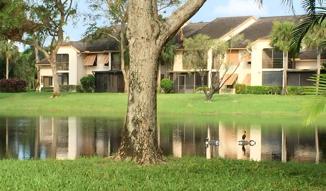 LAKESIDE CONDO 3 OF BANYAN SPRINGS home on 10143  Mangrove Drive