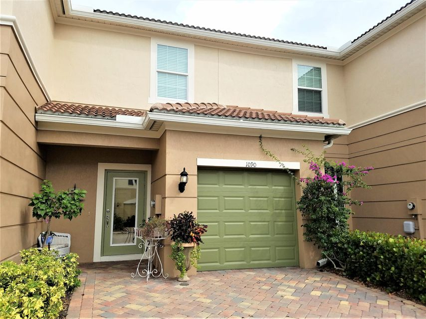 Townhouse for Sale at 1090 Normandie Way 1090 Normandie Way Vero Beach, Florida 32960 United States