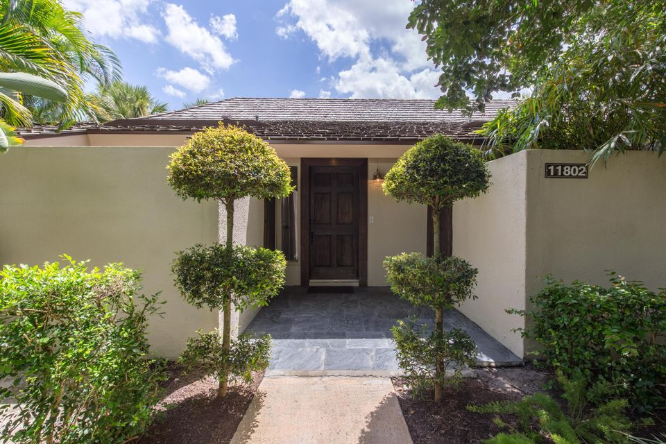 Villa for Sale at 11802 Wimbledon Circle 11802 Wimbledon Circle Wellington, Florida 33414 United States